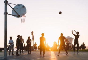 バスケのシュートフォームを丁寧に教えます。特に初心者向け