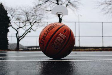 「バスケットボールの手入れ」マイボールを大切に長く使おう。