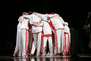 バスケって何人で試合するの?試合の人数について解説します。